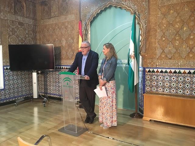 El delegado de Empleo, Emilio Ortíz López y la delegada del Gobierno, Maribel Sánchez Torregrosa