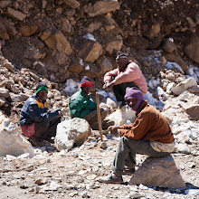 Photo: Road workers between Zing Zing Bar and Baralacha La, Manali-Leh Highway, Himachal Pradesh, Indian Himalayas