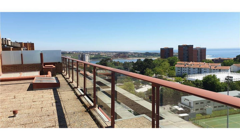 Seaside apartment with terrace Porto