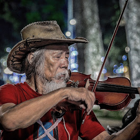Vietnam  -  Hanoi Old Quarters by Rick Pelletier - People Street & Candids