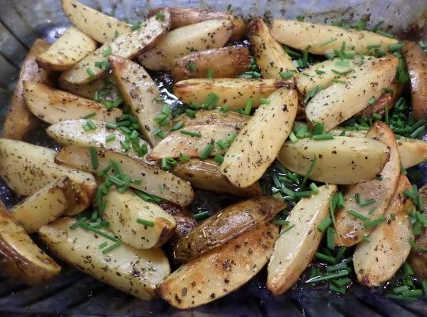 Roasted Potatoes W/ Oregano, Lemon & Chives Recipe