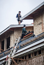 Photo: Roofers