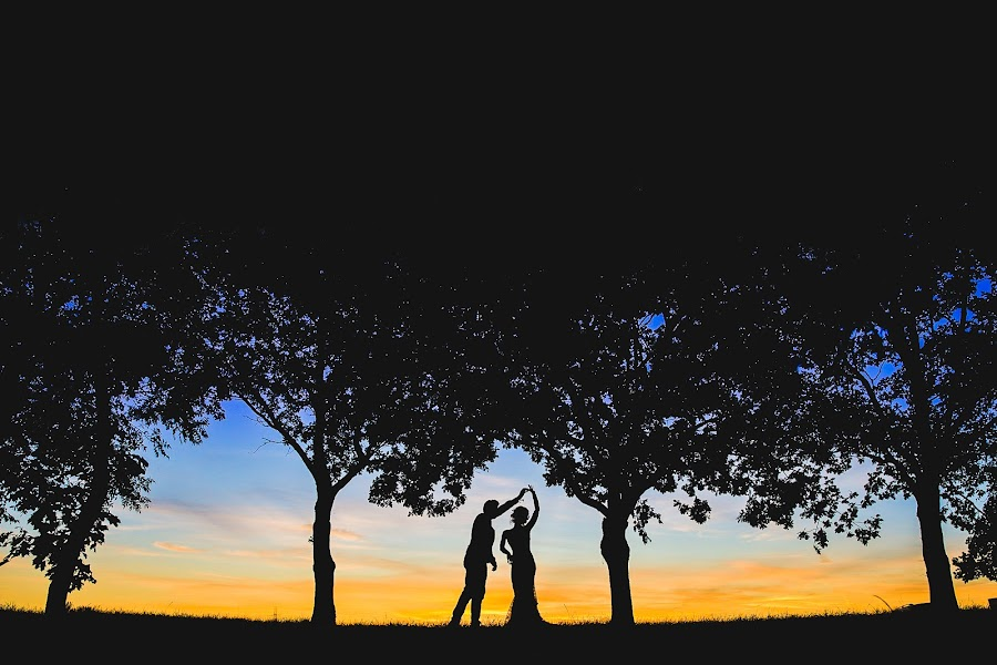 Wedding photographer Aaron Storry (aaron). Photo of 05.09.2017