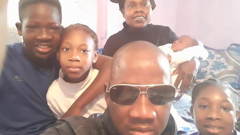 La familia Touré-Dourcure, en su casa de la barriada nijareña de El Viso.