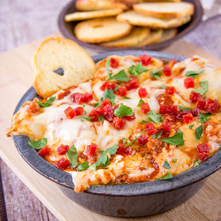 Slow Cooker New York Pizza Dip.