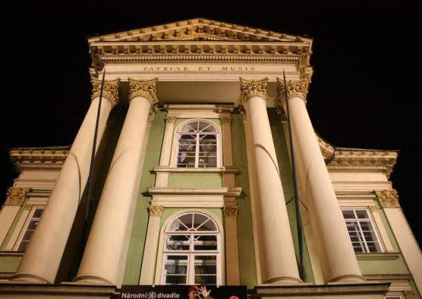 Teatro Estates