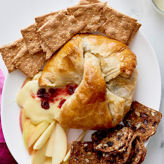 How to Make Baked Brie in Puff Pastry Recipe