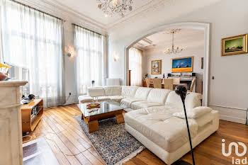 Maison 9 pièces 227 m2
