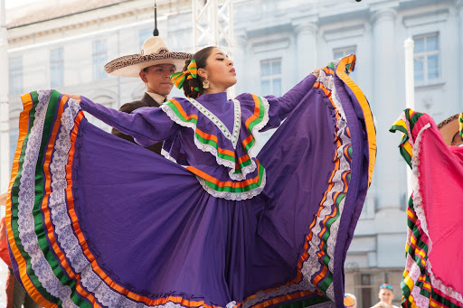 Dance and music on International Folklore Festival