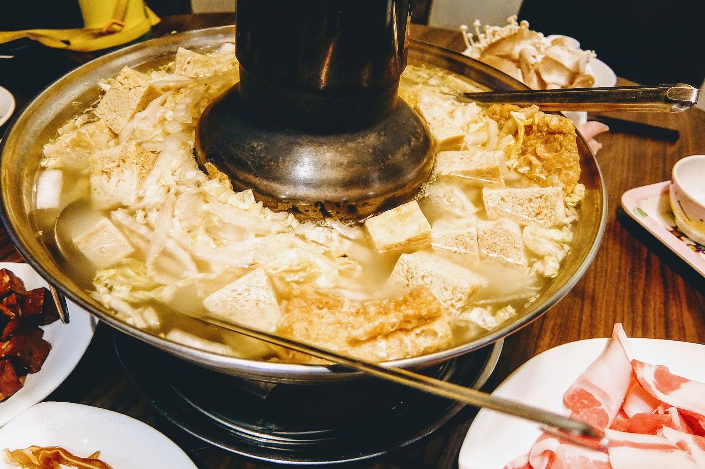 預設的鍋,看起來頗澎湃的