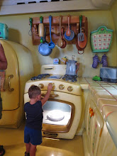 Photo: Disneyland - Minnie's Oven has no secrets for Kyle