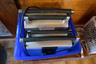 Photo: Les gaufriers Fritel sont présents : bonne nouvelle