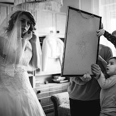 Wedding photographer Gábor Badics (badics). Photo of 17.03.2018