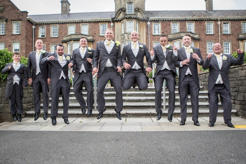 groom-and-best-mans-jumping