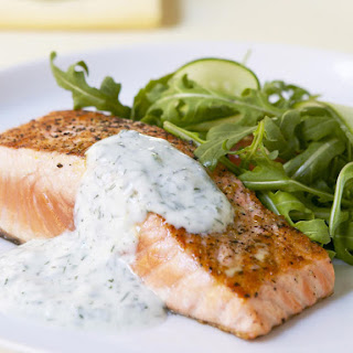 Grilled Salmon with Yogurt and Dill