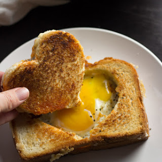 Egg in a Grilled Cheese Basket + Happy Friday