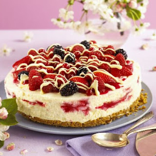 Sugar-free White Chocolate Summer Fruit Cheesecake
