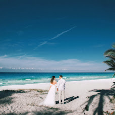 Wedding photographer Alena Nikolaevna (ElenaSys). Photo of 22.01.2018