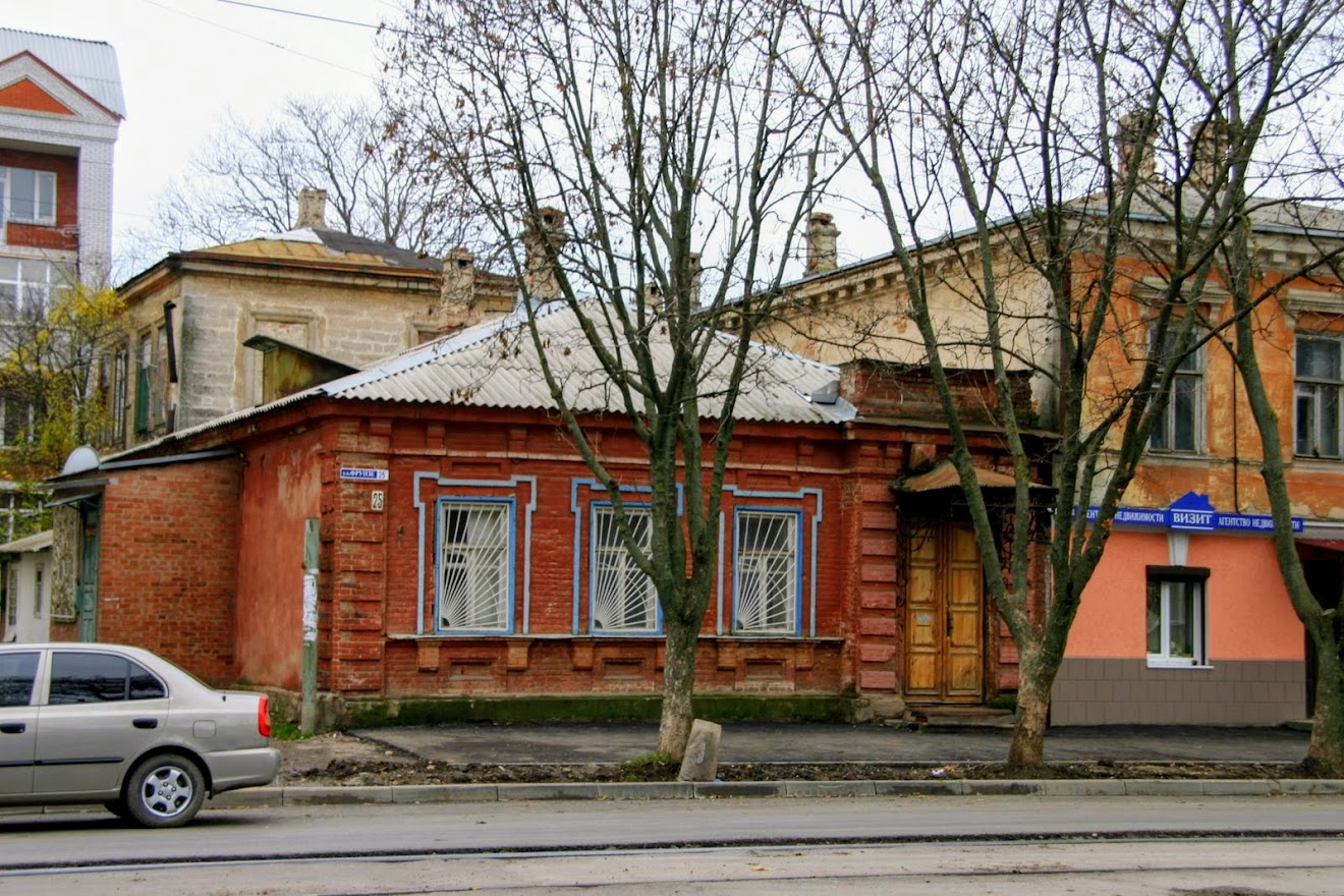 https://sites.google.com/site/istoriceskijtaganrog/frunze-ulica/dom-25