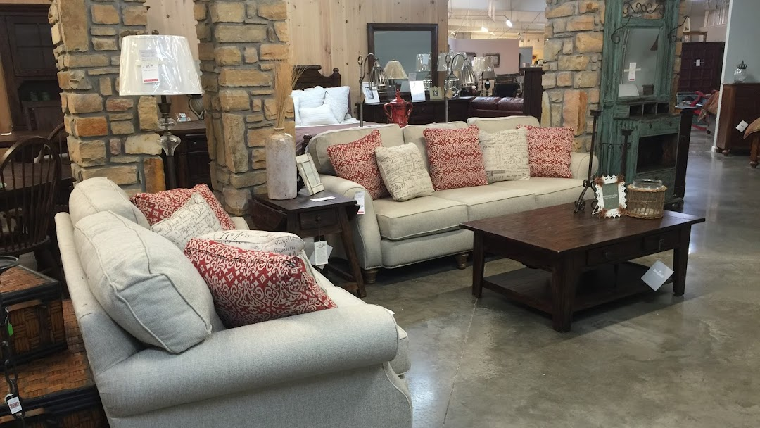Akins Furniture Dogtown Furniture Store In Fort Payne