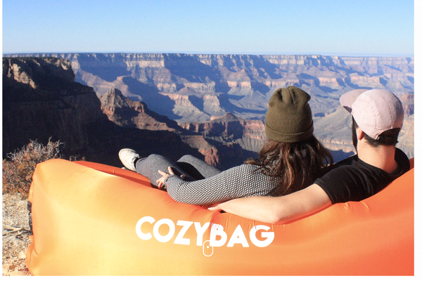 The Cozy Bags were bulk shipped from China to Canada at a price of around CA$28 per lounge.
