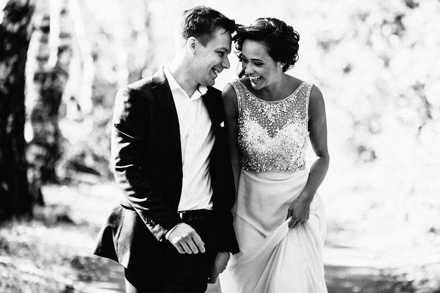Wedding photographer Vasiliy Tikhomirov (BoraBora). Photo of 20.11.2016