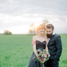 Wedding photographer Evgeniy Komissarov (komissarov). Photo of 25.05.2015