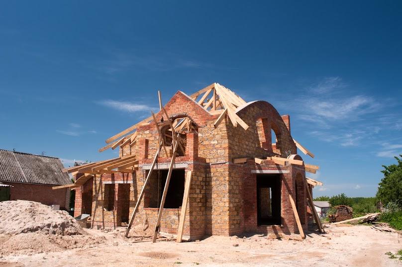 Nowelizacja Prawa budowlanego dopuściła możliwość odroczenia, rozłożenia na raty, a nawet umorzenia opłaty legalizacyjnej