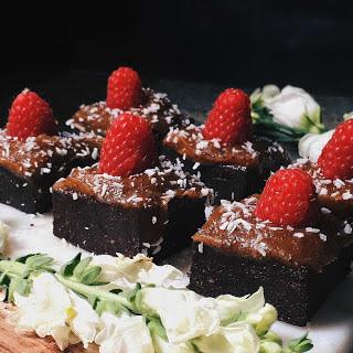 Walnut Date Brownie With Raw Salted Caramel Sauce [Vegan]