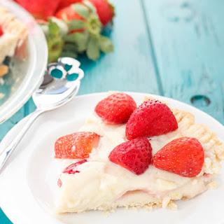 No Bake Strawberry Pudding Pie.
