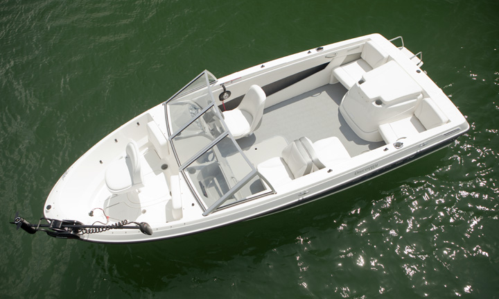 Photo: Get the details or build your own http://bayliner.com/page.aspx/pageid/132731/pmid/276180/195-Discovery.aspx