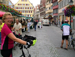 """Photo: 7e Dag, woensdag 22 juli 2009 Shellbronn -Melchingen Dag afstand: 81,6 km. Totaal gereden: 664 km. In de Altstadt"""" van Tubingen ."""