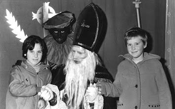 Photo: Adrie de Heer en Barry vd Herik bij Sinterklaas