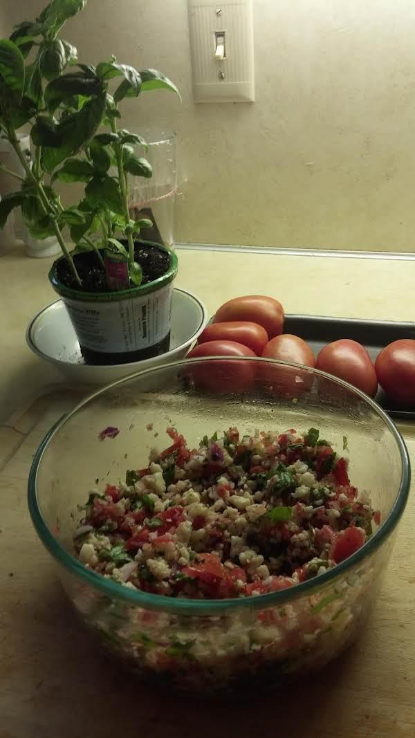 Tomato, Basil & Mozzarella Bruchetta Recipe