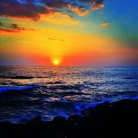 Aloha from Kailua Kona! by Nicolas Los Baños - Instagram & Mobile iPhone ( royalkonaresort, sunset, ocean, landscape, kailuakona, hawaii )