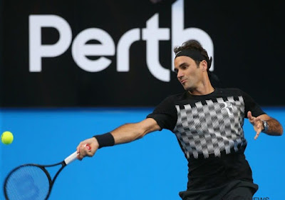 ? Nú al de ace van het jaar? Japanse tennisster verrast Federer