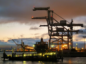 Photo: Container port, Oakland