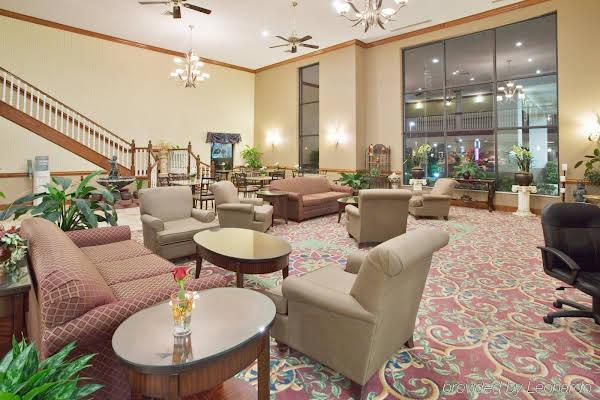 Holiday Inn Express Hotel New Bern