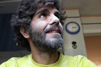 Photo: Cuando te pones blanco de tanto pintar (el techo del salón)