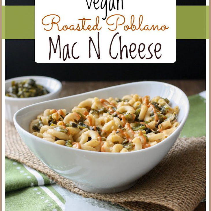 Baked Roasted Poblano Mac and Cheese with Creamy Sriracha Drizzle ...