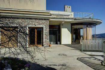 appartement à Celles-sur-Durolle (63)