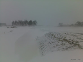 Photo: Geen verschil meer met weg of sloot, gevaarlijk!