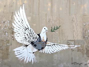 Friedenstaube im Fadenkreuz in Bethlehem IMG_1655 Kopie Kopie.jpg