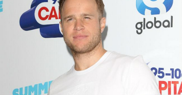Olly Murs is reportedly flirting with Amber Davies