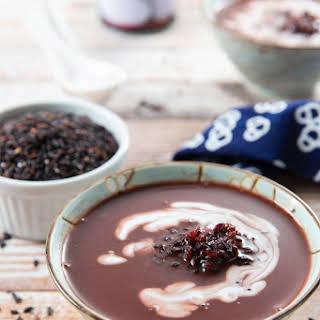 Black Glutinous Rice and Coconut Milk Dessert Soup.