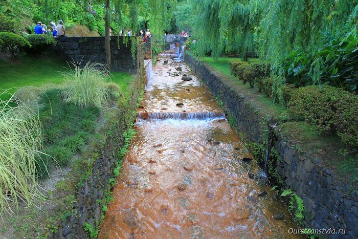 Термальные бассейны в Poça da Dona Beija, Furnas