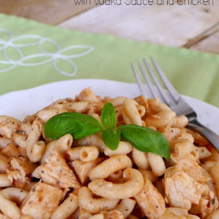 Low Carb Pasta with Vodka Sauce and Chicken.