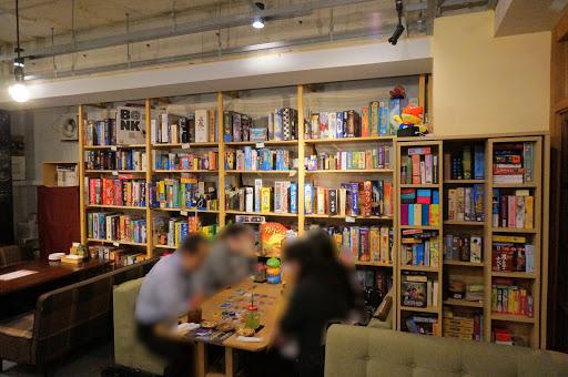 店内の様:神保町のボードゲームカフェ『あそびCafe』