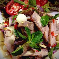 Yum Nuer Salad