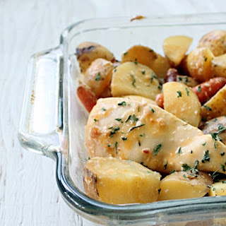 {crock pot} Cheesy Chicken and Potatoes.